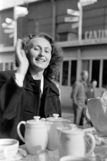 ARH NL Dierssen 0160/0003, Messe mit ED, Elfriede Hass und Margrit Meyer, 1949