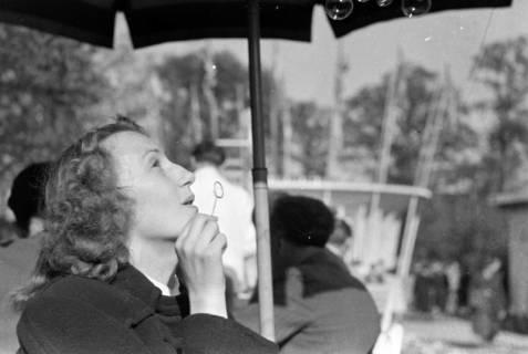 ARH NL Dierssen 0160/0004, Messe mit ED, Elfriede Hass und Margrit Meyer, 1949
