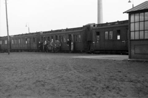 ARH NL Dierssen 0161/0002, Zug auf dem Bahnhof, 1949