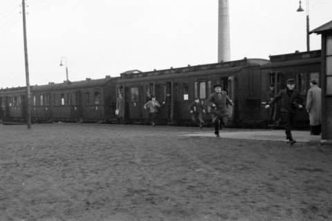 ARH NL Dierssen 0161/0003, Zug auf dem Bahnhof, 1949