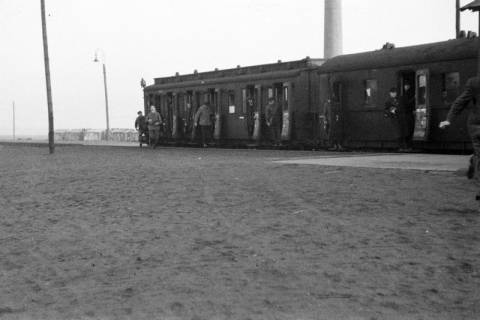 ARH NL Dierssen 0161/0004, Zug auf dem Bahnhof, 1949