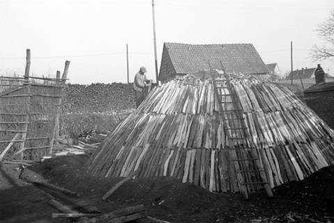 ARH NL Dierssen 0164/0007, Kohlenmeiler, 1949