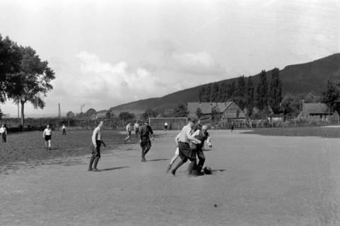 ARH NL Dierssen 0171/0005, Forstarbeiter spielen Fußball, 1949