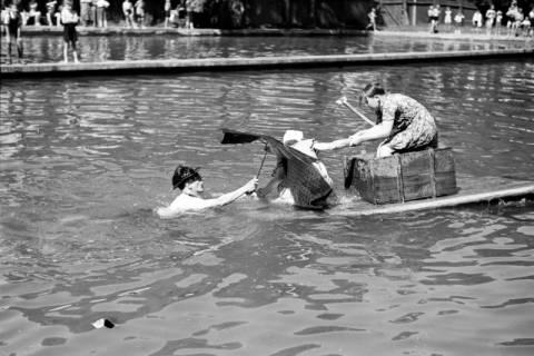 ARH NL Dierssen 0174/0002, Schwimmfest, 1949