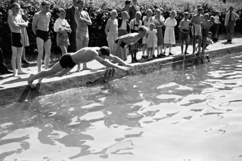 ARH NL Dierssen 0174/0009, Schwimmfest, 1949
