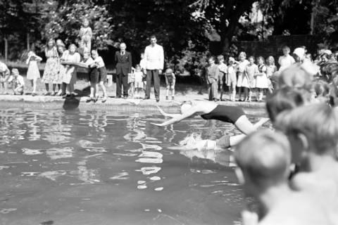 ARH NL Dierssen 0174/0023, Schwimmfest, 1949