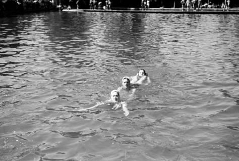 ARH NL Dierssen 0175/0002, Schwimmfest, 1949