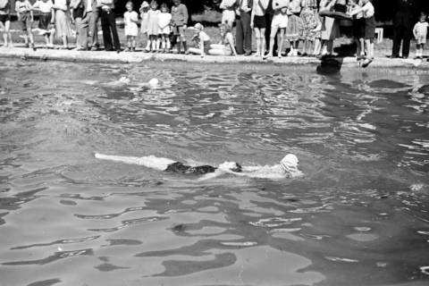 ARH NL Dierssen 0175/0004, Schwimmfest, 1949