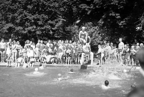 ARH NL Dierssen 0175/0008, Schwimmfest, 1949