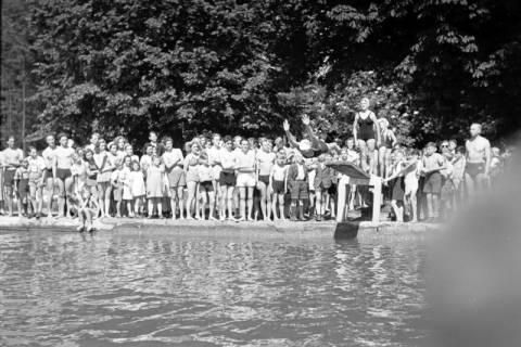 ARH NL Dierssen 0175/0009, Schwimmfest, 1949