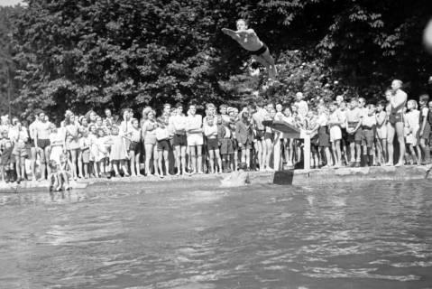 ARH NL Dierssen 0175/0012, Schwimmfest, 1949