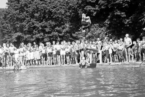ARH NL Dierssen 0175/0015, Schwimmfest, 1949