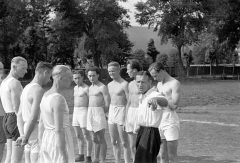 ARH NL Dierssen 0182/0010, Sport - Polizei gegen Sportverein, 1949