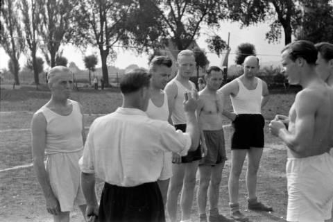 ARH NL Dierssen 0182/0011, Sport - Polizei gegen Sportverein, 1949