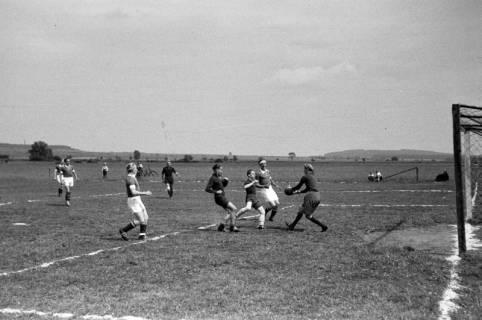 ARH NL Dierssen 0187/0008, Fußball - gegen Wülfingen, 1949