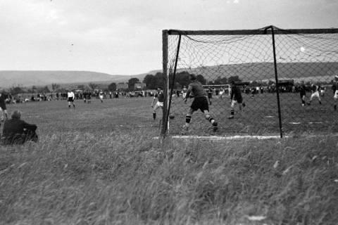 ARH NL Dierssen 0187/0019, Fußball - gegen Wülfingen, 1949
