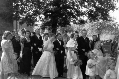 ARH NL Dierssen 0188/0010, Hochzeit Langendorf, 1949