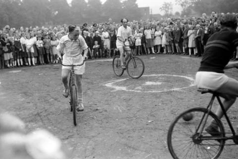 ARH NL Dierssen 0195/0007, Radballtunier, 1949