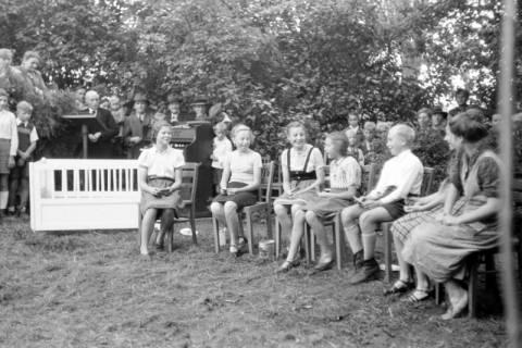 ARH NL Dierssen 0195/0012, Kirchenfest, 1949