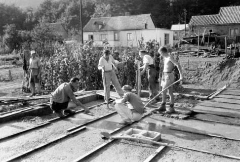 ARH NL Dierssen 0195/0018, Baustelle Selbsthilfe Baugemeinschaft, 1949