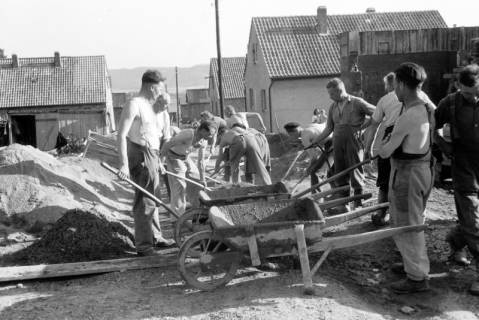 ARH NL Dierssen 0195/0019, Baustelle Selbsthilfe Baugemeinschaft, 1949