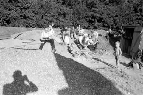 ARH NL Dierssen 0196/0001, Baustelle Selbsthilfe Baugemeinschaft, 1949