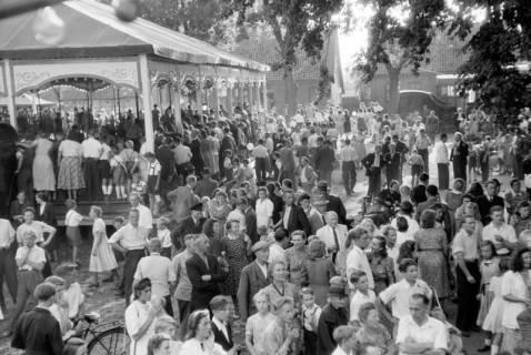 ARH NL Dierssen 0196/0012, Volksfest (Rummelplatz), 1949