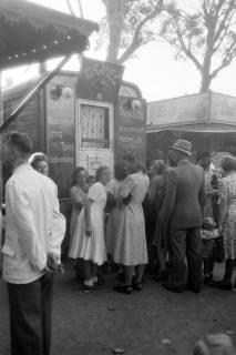 ARH NL Dierssen 0196/0015, Volksfest (Rummelplatz), 1949