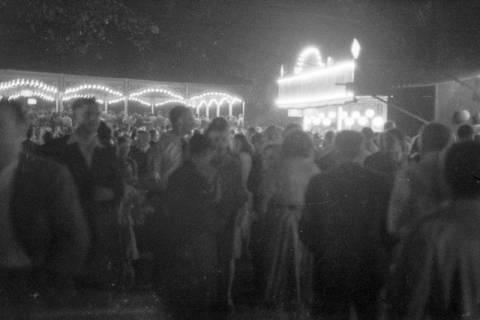 ARH NL Dierssen 0196/0021, Volksfest (Rummelplatz), 1949