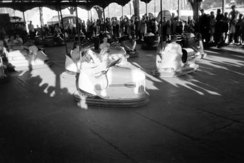 ARH NL Dierssen 0196/0022, Volksfest (Rummelplatz), 1949