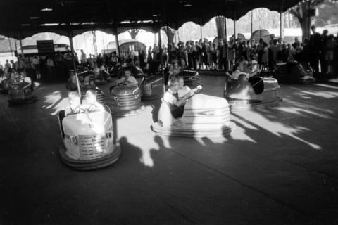ARH NL Dierssen 0196/0023, Volksfest (Rummelplatz), 1949