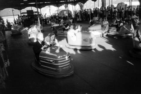 ARH NL Dierssen 0196/0024, Volksfest (Rummelplatz), 1949