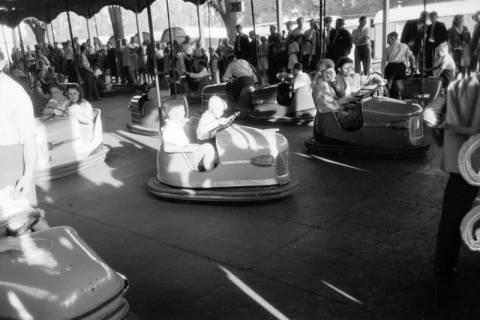 ARH NL Dierssen 0196/0025, Volksfest (Rummelplatz), 1949