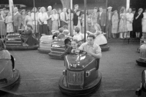 ARH NL Dierssen 0196/0027, Volksfest (Rummelplatz), 1949