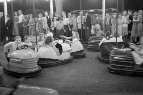 ARH NL Dierssen 0196/0028, Volksfest (Rummelplatz), 1949
