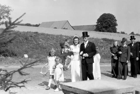 ARH NL Dierssen 0197/0005, Hochzeit Rathing, 1949