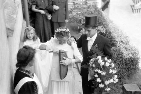 ARH NL Dierssen 0197/0008, Hochzeit Rathing, 1949