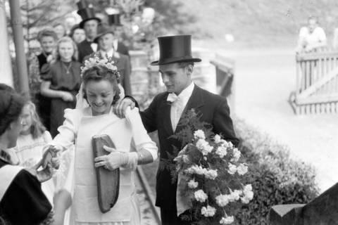 ARH NL Dierssen 0197/0009, Hochzeit Rathing, 1949