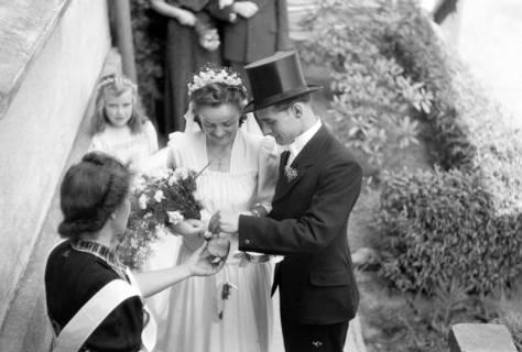 ARH NL Dierssen 0197/0010, Hochzeit Rathing, 1949