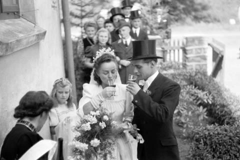 ARH NL Dierssen 0197/0011, Hochzeit Rathing, 1949