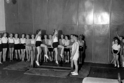 ARH NL Dierssen 0198/0011, Schulturnen, 1949