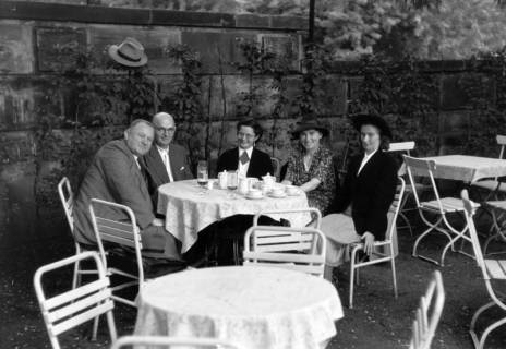 ARH NL Dierssen 0198/0016, Lotti Schulz, Mutter von Dierssen und ED, 1949
