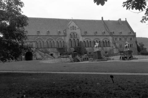 ARH NL Dierssen 0200/0005, Polizei-Ausflug: Kaiserpfalz in Goslar, 1949