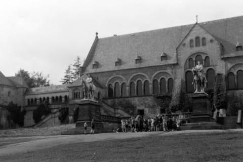 ARH NL Dierssen 0200/0009, Polizei-Ausflug: Kaiserpfalz in Goslar, 1949