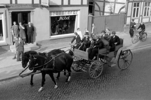 ARH NL Dierssen 0208/0020, Tag des Roten Kreuzes (Umzug und Reiten), 1949