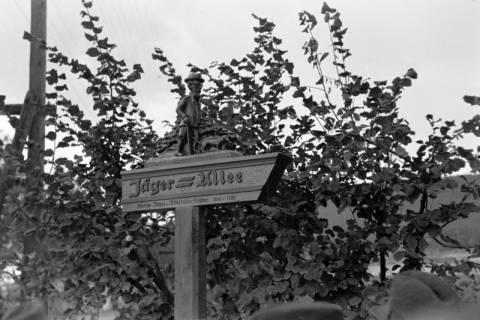 ARH NL Dierssen 0211/0023, Wegweiser Jägerallee, 1949