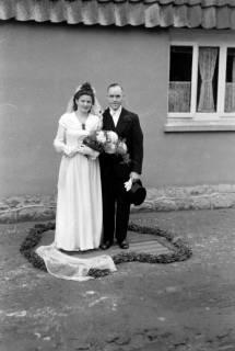 ARH NL Dierssen 0215/0012, Hochzeit Steinhop, 1949