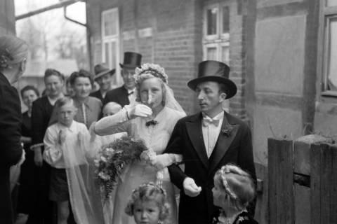 ARH NL Dierssen 0221/0009, Hochzeit, 1949