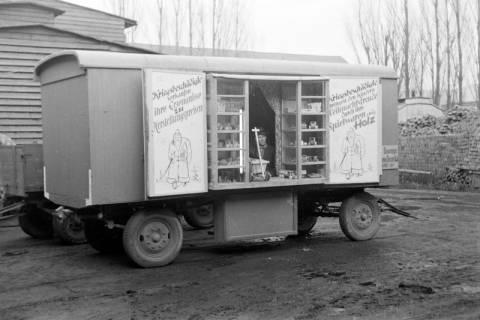 ARH NL Dierssen 0223/0011, Weihnachtsverkaufswagen Casala, 1949