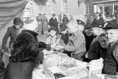 ARH NL Dierssen 1007/0021, Frühjahrsmarkt, 1950